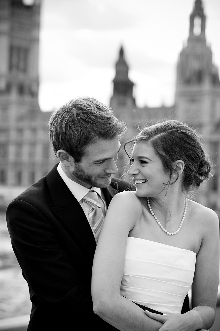 bride-and-groom-on-westminster-bridge.jpg