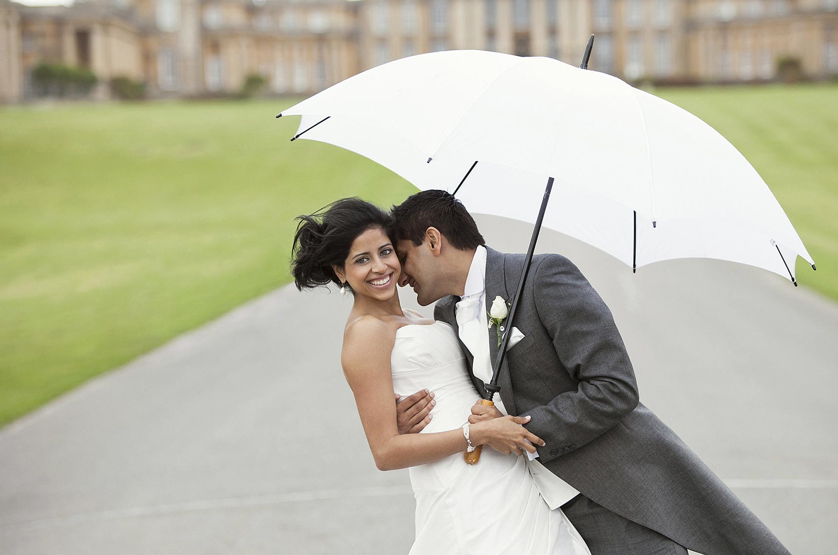 contemporary-wedding-photograph-Blenheim-palace.jpg